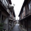 下関市 : 豊田町西市の町並みとトマソン