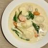 ルウを使わずにお鍋ひとつで作る「カブと鶏むね肉のクリームシチュー」作り方・レシピ。