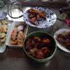 幸運な病のレシピ( 1036 )朝:肉団子(ニラ入り甘酢ー>再加熱)、塩サバ揚げ(甘酢)、手羽先揚げ、塩サバ揚げ、鮭、塩サバ