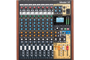 「TASCAM Model 12」製品レビュー:マルチトラック録音/オーディオI/O機能を備える10chミキサー