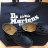 先日誕生日でした。おえさんから誕生日プレゼントをもらいました。ドクター・マーチン/革靴