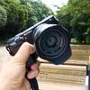 ソニーのAPS-C用標準単焦点レンズ、SEL35F18(E 35mm F1.8 OSS)をα6000につけて作例ありでレビューします。