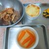 お茶菓子とお弁当作る