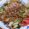 10月27日(火)昼食の辛めの焼きそばと、夕食のカキ。