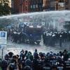マジ?【ドイツ】反G20デモ隊、警察と衝突 独ハンブルク