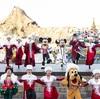 ディズニーシーでクリスマス限定のショー開催!クリスマス気分を盛り上げてくれる「イッツ・クリスマスタイム!」
