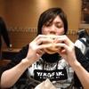 のび~るチーズバーガーを食べた