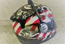 ヘルメットに、風切音に負けないスピーカーを仕込んで、極上音質ツーリングを楽しもう!