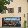 アートな壁!ジュネーブ隣のフランスの村にて