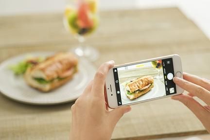 料理写真は「光」と「ズーム」!フードフォトのプロが教えるスマホ撮影術