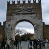 リミニの街を歩いてみる⑤アウグスト凱旋門と周辺