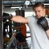 サンドバッグ入門編|手や足を痛めない打ち方・実践的な練習法とは?