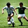 サッカー練習中でも常に敵がいることをイメージする