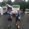 去年のサロマ湖100kmウルトラマラソン。病に倒れた僕と、59秒前にゴールした友人夫婦と。