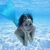 プールで泳ぐ 無重力感が心地よい