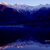 碧の大正池より望む穂高の夜明け