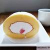 白楽ベーグル @白楽 取り置き必須いちごのロールケーキとアーモンドチョコレート