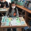 5年生:図工 ホワイトボードづくり 色塗り