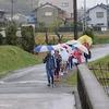 登校の風景:雨の中の登校、交通当番