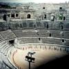 今も生きてる古代ローマ円形闘技場(ニーム、フランス)