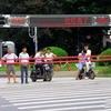 中国の横断歩道は、顔認証、自動ゲート、ジェットミスト。赤信号は絶対に渡らせません!
