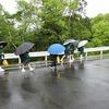 登校の風景:雨のち晴れ