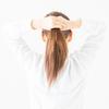 朝寝ぐせやスタイリングでお悩みのあなたへ!「髪を結んで寝る」ことのご紹介です