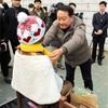 韓国・釜山の少女像、撤去の考えなし 地元区庁長が強調