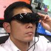 メガネをかけて、安土城のAR映像を眺めてる。