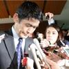 震災発言の今村復興相が辞任 国会審議に影響