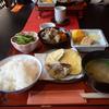 シーズンオフの奈良県吉野で里山の家庭料理を味わうのんびりとした一日。