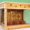 丸みを帯びた八重畳風箱宮神殿 丸窓を欄間につけた三社の神棚
