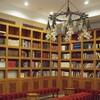 図書館での過ごし方。面白い本との偶然の出会いや、普段読まないような本を読むことができるチャンス