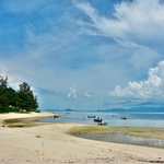 パンガン島(Ko Pha-Ngan)の中心玄関~トンサラビーチ(Thong Sala Beach)から桟橋、ロイヤル ネイビーシップ(Phangan Royal Navy Ship)