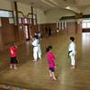 5月5日こどもの日、なんと県立武道館無料開放!ということで、香織道場生有志、今日も懲りずに空手の練習だ♪