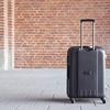 スーツケースを飛行機の手荷物として客室内に持ち込むことをお勧めしないその理由