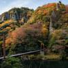 晩秋の立久恵峡を歩く