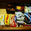 食器棚の整理(3) 袋入りの食品の収納は面倒臭い