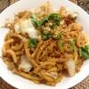 【今日の食卓】うどんパッシーユ、シーユーダムというとろみのある甘口醤油で味付けした米粉麺の焼きそば(うどん版)