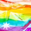 反同性婚イベントにレズビアン・キスで抗議 豪メルボルン