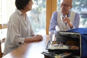 高齢者向け食事宅配の選び方