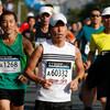 先頭通過から2分くらい:2km過ぎ@おかやまマラソン2016(13日)