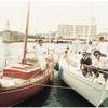 26フィートのソレイユルボンと木造船。葉山か逗子マリーナに停泊中のワンショット。
