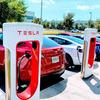 テスラの戦略のキーは電気自動車ではなく充電ステーション