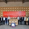 ラオス:マスク40万枚他、中国から届く
