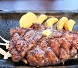 ステーキガストでサラダバーランチ&熟成赤身ロースステーキ