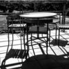 テーブルの影