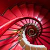 赤の螺旋階段