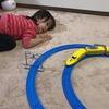 1歳男の子のプラレール、プラレールトーマス遊び。