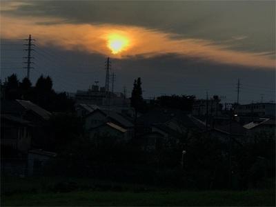 夕日が沈む時間に合わせて大宮夕日が丘広場までランニング〜雲間に沈む夕日〜